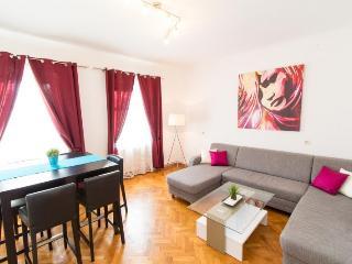 3 bedroom Condo with Internet Access in Vienna - Vienna vacation rentals