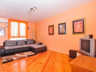 Karolina (4+2) apartment next to Marina - Zadar vacation rentals