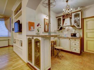 Gorgeous 2 bedroom apt on Nevsky pr (370) - Saint Petersburg vacation rentals