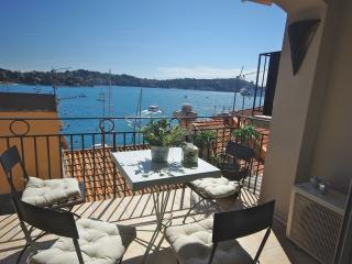 Artistes Tresor: Gorgeous holiday apartment rental in Villefranche Old Town - Villefranche-sur-Mer vacation rentals