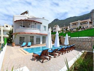 Holiday Villa in Kiziltas / Kalkan, Sleeps 10 :072 - Antalya Province vacation rentals