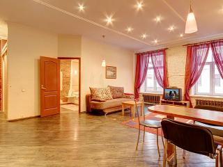 1 bedroom on Nevsky prospect, 60 (276) - Saint Petersburg vacation rentals