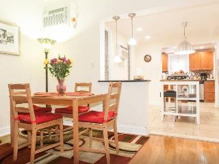 Spacious Passyunk Square House - Greater Philadelphia Area vacation rentals