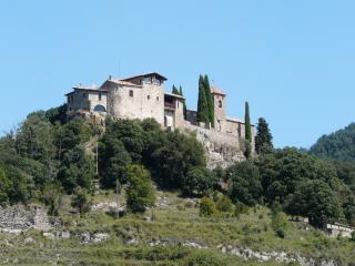 Llaés Castle Xth century - 2-7 people - Ripoll vacation rentals