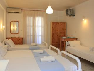 12 Studio 1min from Kamari beach - Kamari vacation rentals