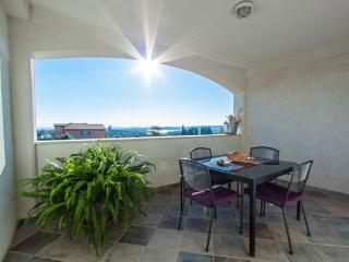 Gea - charming  apartment with pool - Medulin vacation rentals
