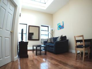 Gorgeous 1BR with Skylight (28th & Lexington) - New York City vacation rentals