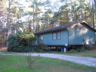 Cozy House with Deck and Dishwasher - Chincoteague Island vacation rentals