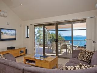 A Yachtsmans Rest, 5/37 Victoria Parade - Nelson Bay vacation rentals
