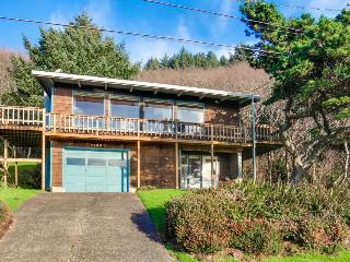 Enjoy an ocean view, classic interior, and large deck! - Lincoln City vacation rentals