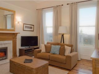 WEST END RETREAT, Lynedoch Place, Edinburgh, Scotland - - Glasgow & Clyde Valley vacation rentals