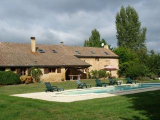 Charming House with Balcony and Central Heating - Montferrand du Perigord vacation rentals