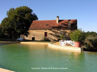 Queytival, Maison de la Source,charme,tranquillité - Sainte Nathalene vacation rentals