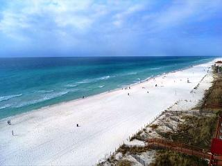 HUGE 4 BDRM BEACHFRONT CONDO FOR 10 ! OPEN 3/7-3/13 - 30% OFF BOOK NOW - Panama City Beach vacation rentals