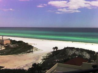 BEACH VIEWS & ROOMY CONDO! 7TH FLOOR! OPEN 4/28-5/2 ~ ONLY $694.22 + FEES - Destin vacation rentals