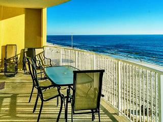 BEACHFRONT FOR 6! OPEN 4/11-4/18 TAKE 20% OFF - Panama City Beach vacation rentals