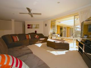 Perfect 6 bedroom Upper Coomera House with Internet Access - Upper Coomera vacation rentals