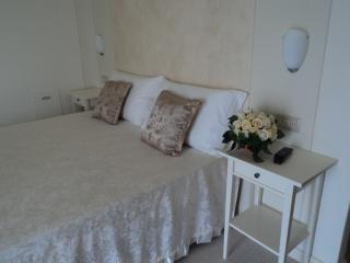 Bed & Breakfast Giardini di Corte camera 01 - Toscolano-Maderno vacation rentals