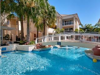Resort View Laguna on Hastings | NOOSA's CENTRAL BEACH STREET| by Getastay - Noosa vacation rentals