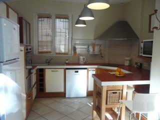 Cozy 3 bedroom Elne House with Dishwasher - Elne vacation rentals