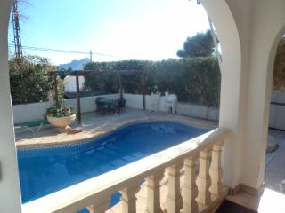 VILLA CALPE-SLEEPS &- POOL- WIFI -AIR CON - Calpe vacation rentals