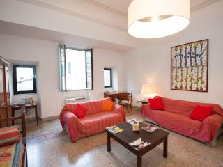 Corso - Large Apartment with Duomo view, balcony, pet-friendly - Florence vacation rentals