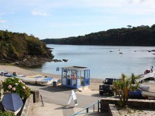 Bright 2 bedroom House in Helford Passage with Internet Access - Helford Passage vacation rentals