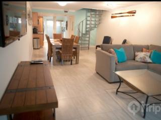 Newly Renovated Executive Bay Townhouse**Discounts Available** - Miami vacation rentals