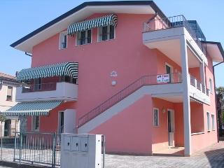 Villa MARLAGI bilocali e trilocali - Jesolo vacation rentals