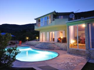Modern Villa for 6 with private pool & jacuzzi - Kastel Stari vacation rentals