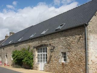 Longere in Guern, a luxury converted farmhouse. - Guern vacation rentals