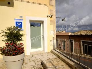 Romantic Ragusa vacation House with Internet Access - Ragusa vacation rentals