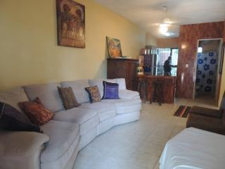 $55USD 2 BEDS TOWN HOUSE IN TULUM.CENTRAL LOCATION - Tulum vacation rentals