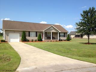 Cozy 3 bedroom House in Elizabeth City - Elizabeth City vacation rentals