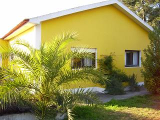 Bright 4 bedroom Townhouse in Aveiro - Aveiro vacation rentals