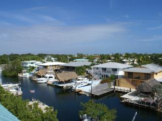 Largo Vista ~ Waterfront, Boat Slip, Rooftop Deck - Key Largo vacation rentals