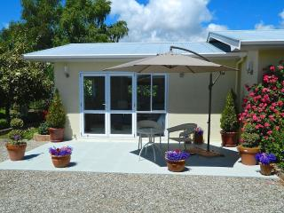 Tasmangreen Studio  - Quiet Luxury - Tasman vacation rentals