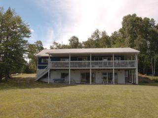 Kearney Lakehouse - Sundridge vacation rentals