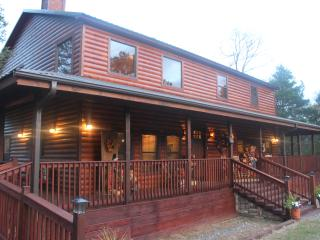 Luxurious Brown Bear Cabin - Talihina vacation rentals