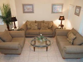 Beautiful 3 Bedroom 2.5 Bathroom Townhouse In Emerald Island. 8433CCL - Orlando vacation rentals