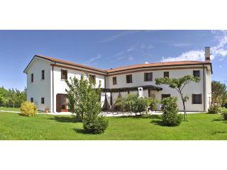 Villa Avondo - Ceggia vacation rentals