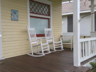 Nice Bungalow with Internet Access and Dishwasher - Galveston vacation rentals