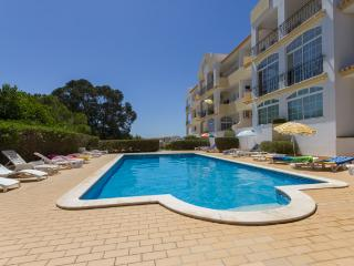 Confortable 2 bedroom apartment, sea view, pool - FREE WIFI - Lagos vacation rentals