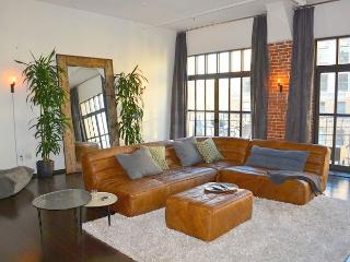 Hollywood Upscale Loft with Pool, Gym, View & More (4744) - Los Angeles vacation rentals