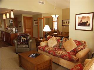 Top Floor Corner unit in Capitol Peak B - Wrap around Deck (9325) - Snowmass Village vacation rentals