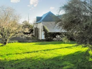 Elegant country house in Brittany, with 2 bedrooms and garden – near Doelan beach and port - Concarneau vacation rentals
