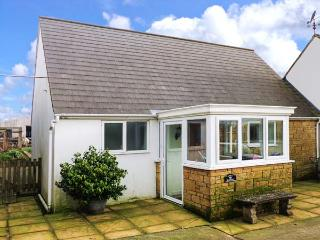 THE GRANARY, WiFi, detached, pet-friendly, enclosed garden, near Shepton Mallet, Ref. 920419 - Cheddar vacation rentals