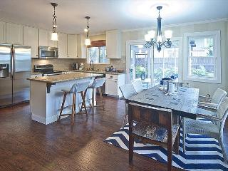 Surf Cottage - Chic 4 bedroom cottage - North Shore vacation rentals