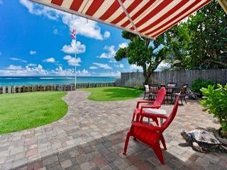 So Charming! Beachfront 2 story.True Hawaiian Aloha with modern conveniences - Hauula vacation rentals