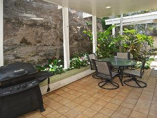Spectacular Views, Pool, Contemporary Design, Exclusive Honolulu Neighborhood - Honolulu vacation rentals